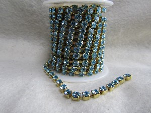 4.4mm Aquamarine/Raw Cup Chain ( $1.00 Per Inch)